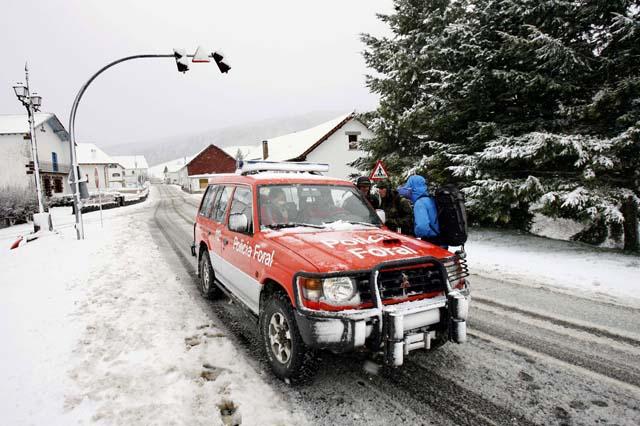 Las carreteras navarras recuperan la normalidad tras una mañana de nevadas en la zona norte