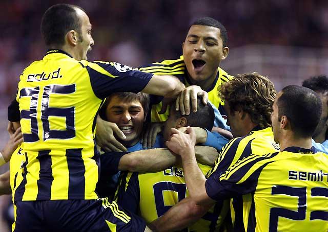 El Sevilla cae en los penaltis ante un Fenerbahçe superior