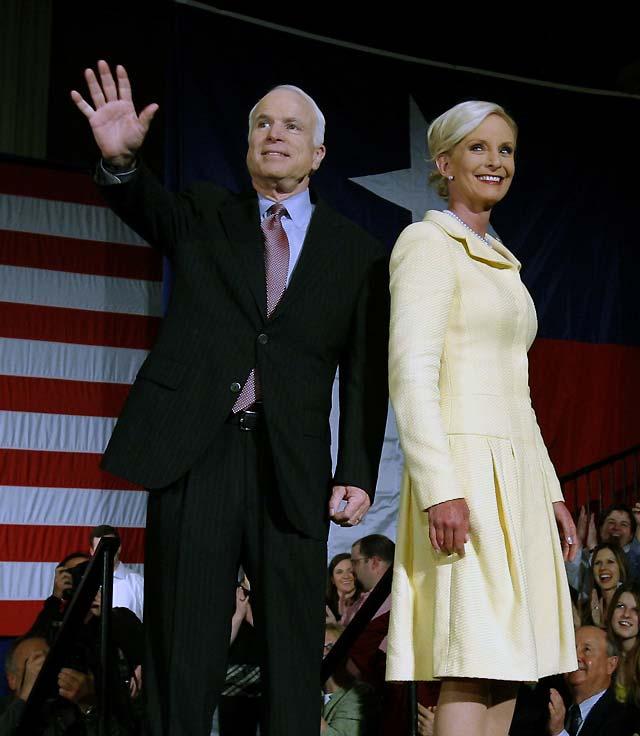 John McCain se convierte en el candidato republicano a la presidencia