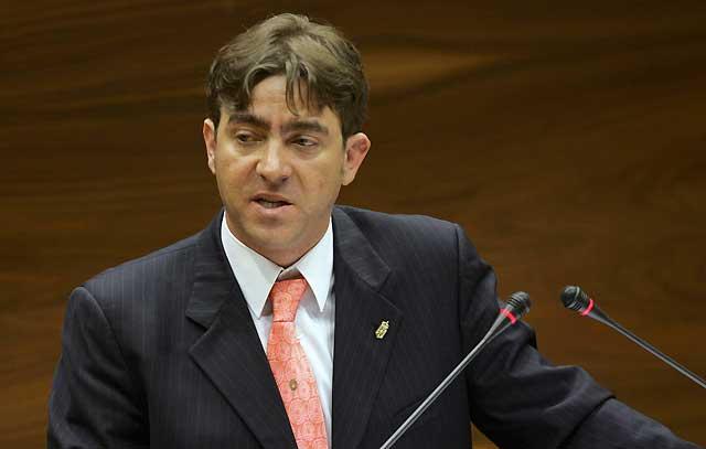 Carta de apoyo de Roberto Jiménez, portavoz del grupo parlamentario socialista, a Carlos Chivite