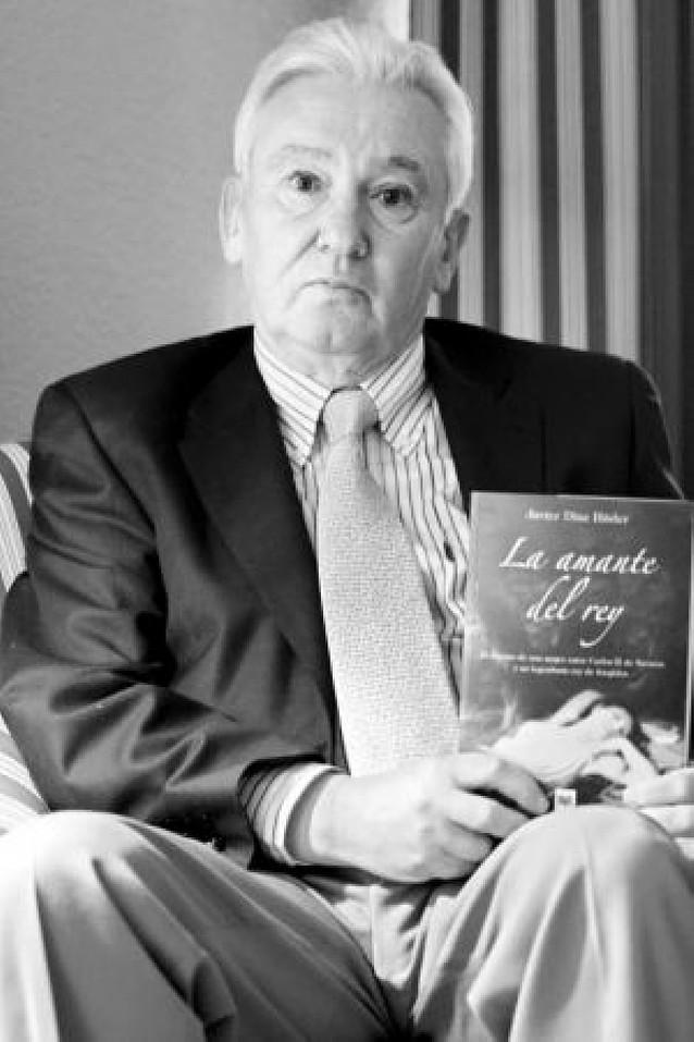 Javier Díaz Húder conecta la historia de Navarra y Francia en su nueva novela