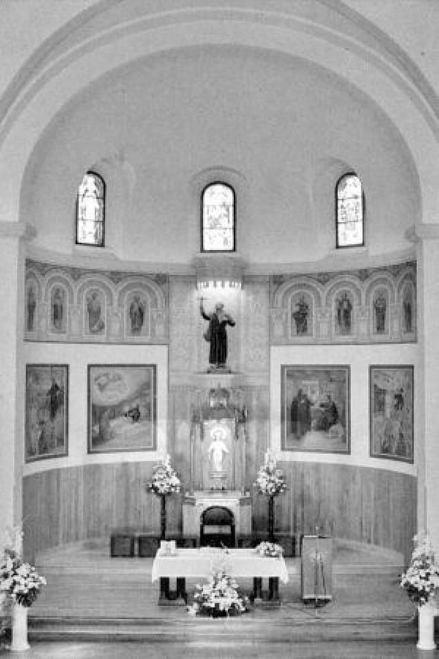 La parroquia desea recuperar el mural que lucía en la bóveda de la iglesia