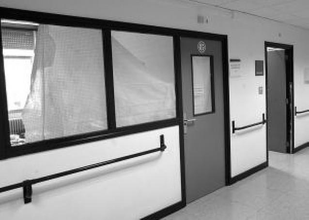 La sala que hizo de habitación recupera función en el hospital
