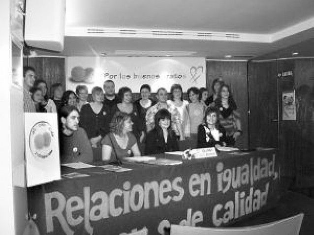 """Jóvenes crean un Colectivo Por los Buenos Tratos para sensibilizar """"en positivo"""""""