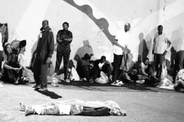 Dos inmigrantes muertos en un cayuco que llegó a Tenerife con 54 supervivientes
