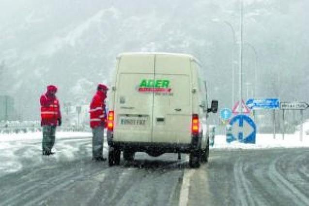 Bloqueo en las autovías por la nieve