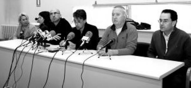 Los interinos suspenden la huelga tras aceptar negociar con Educación