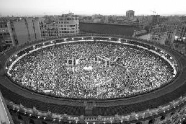 La plaza de toros de Valencia se quedó pequeña para el mitin del PP