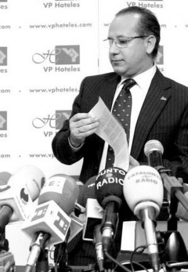 Alcaraz anuncia que dejará la presidencia de la AVT después de cuatro años de gestión