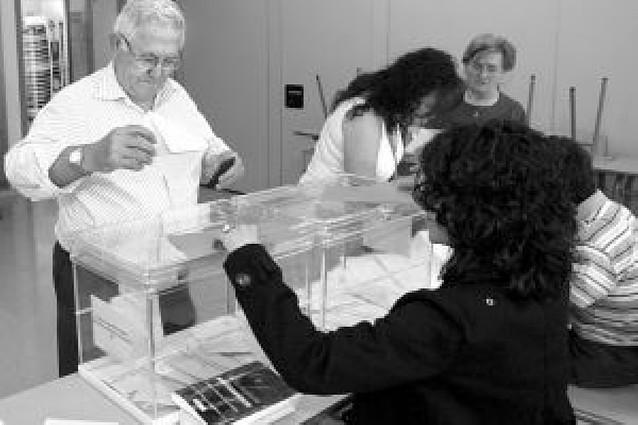 Los 12.500 votos por correo auguran una alta participación el domingo en Navarra