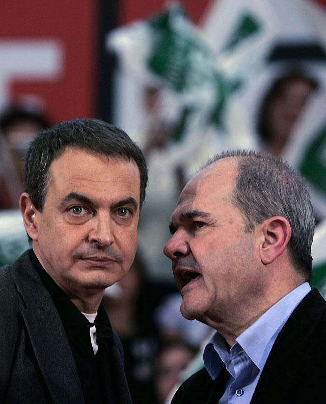 Zapatero y Rajoy acuerdan la suspensión de la campaña electoral
