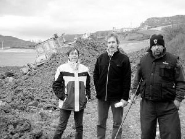 Vecinos de Amillano intentan parar una obra del valle de Allín