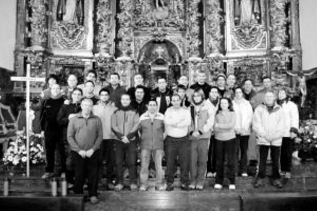 42 peregrinos salieron de Azagra hacia Javier