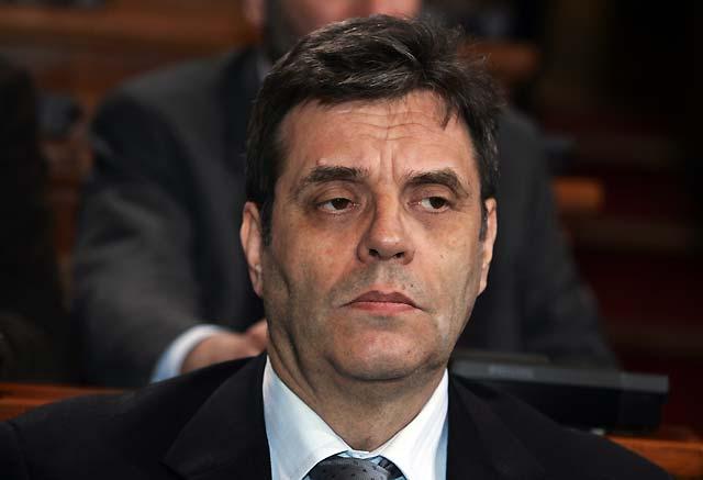 El primer ministro serbio dimite después de 10 meses de Gobierno en coalición
