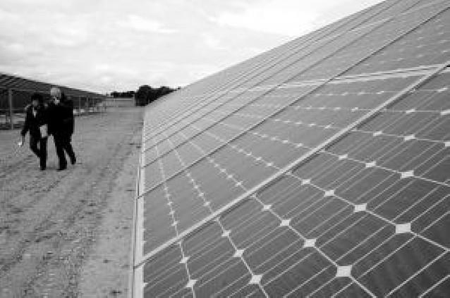 Tudela pone en marcha una nueva huerta solar con 250 placas de casi 100 propietarios