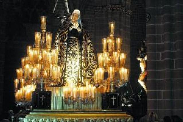 Se inician los actos previos a la Semana Santa pamplonesa con el septenario de La Dolorosa