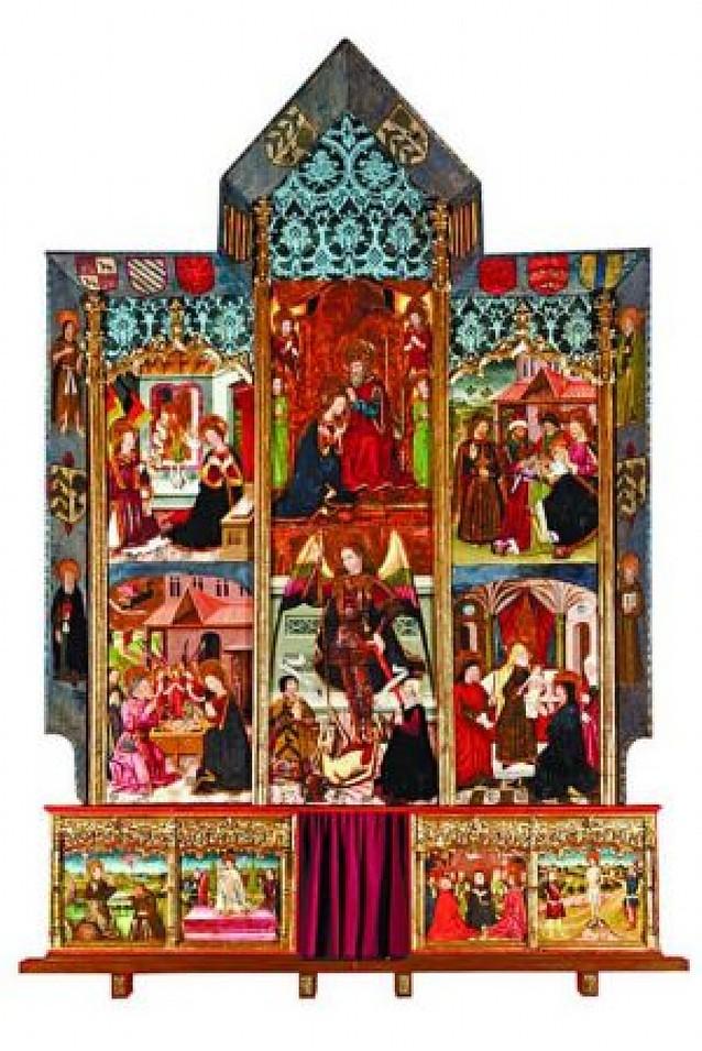 La villa inaugura la restauración integral del retablo de San Miguel