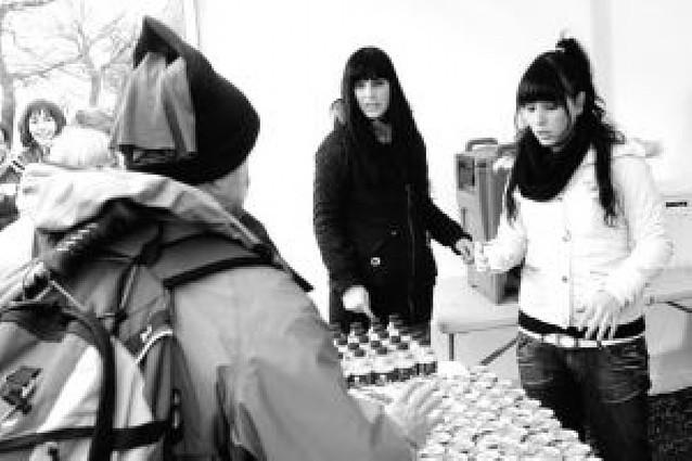 El avituallamiento de Sengáriz repartió 300 kilos de naranjas y 2.500 barritas
