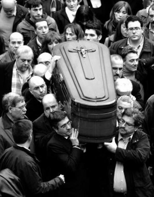 El obispo de San Sebastián pidió en el funeral la definitiva desaparición de ETA