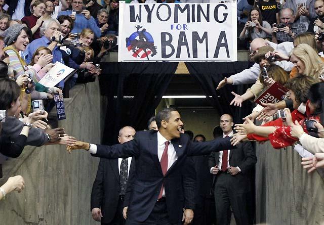 Barack Obama termina con buen sabor de boca una semana fatídica
