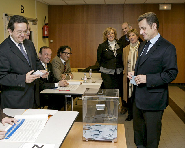 La izquierda aventaja a la derecha en la primera ronda de las municipales francesas