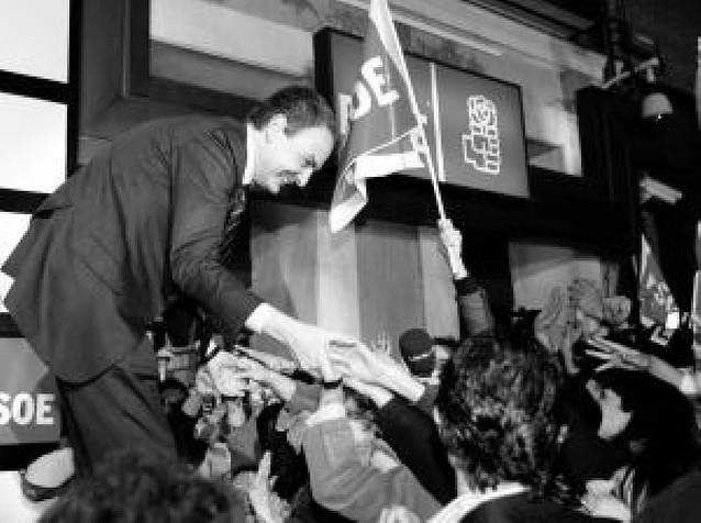 """Zapatero ofrece """"una mano tendida"""" para acuerdos en asuntos de Estado"""