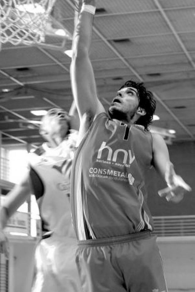 El HNV Consmetal logró vencer (70-66) al Habitacle Badajoz