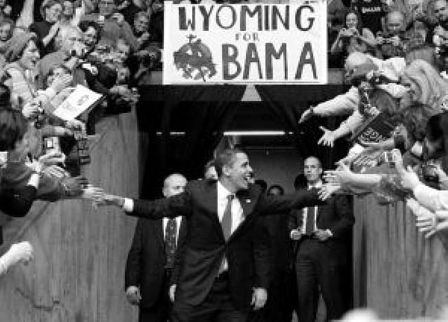 La victoria de Obama en Wyoming añade suspense a su carrera contra Clinton