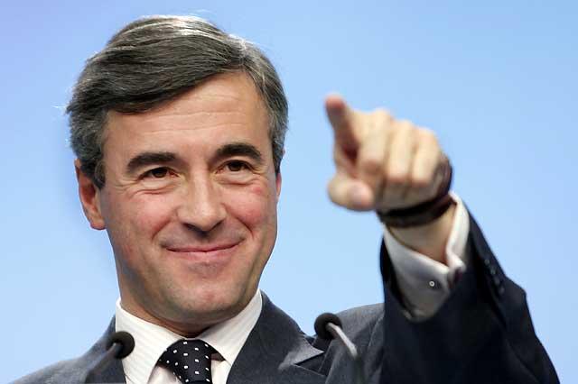 """Acebes no aclara cuál será el futuro político de Rajoy, pero recalca que el partido está """"orgulloso"""" de él"""
