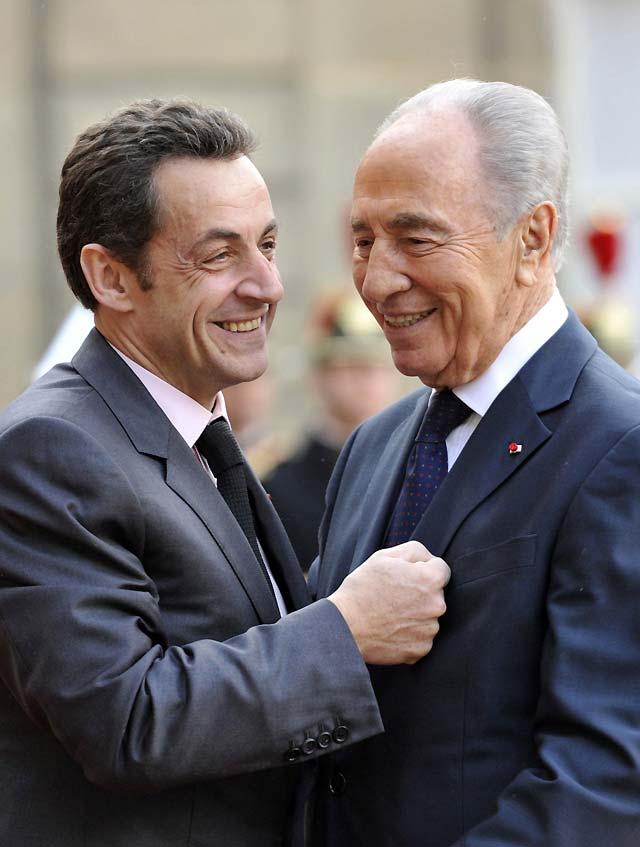 Peres subraya en París la amenaza nuclear de Irán y su apoyo al terrorismo