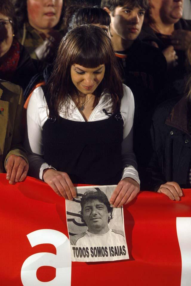Miles ciudadanos condenan en silencio el asesinato del ex edil Isaías Carrasco