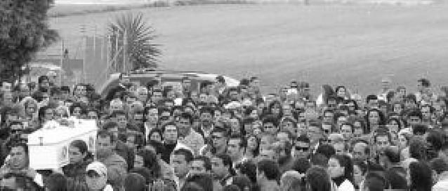 Multitudinario adiós a Mari Luz en Huelva