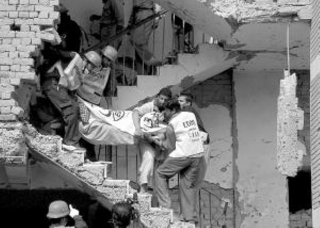 Doble atentado suicida en Lahore con 26 muertos cerca de un centro de Cáritas