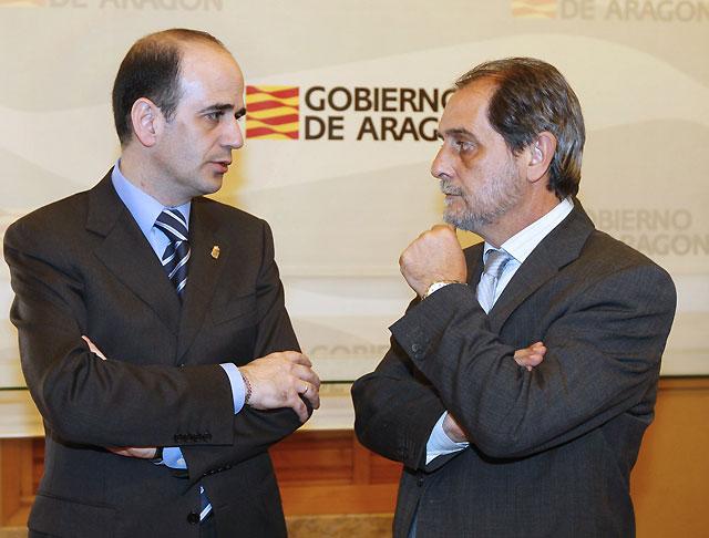 Catalán confía en que el nuevo Gobierno impulse el TAV que una Navarra con Aragón