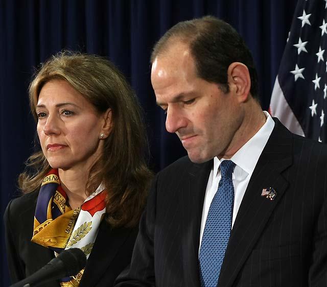 Dimite el gobernador de Nueva York por un escándalo de prostitución
