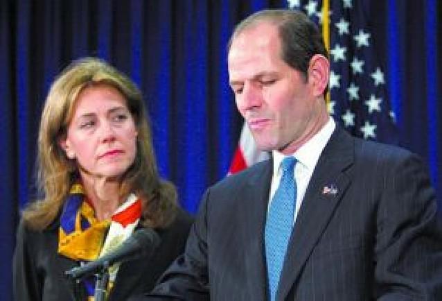 El gobernador de Nueva York dimite por el escándalo de la red de prostitución