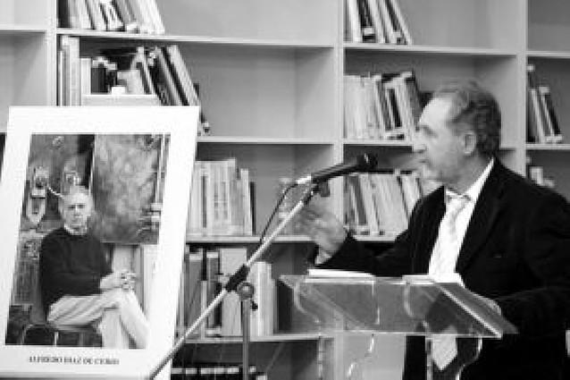 Amigos, poetas y familiares brindan un homenaje a Alfredo Díaz de Cerio