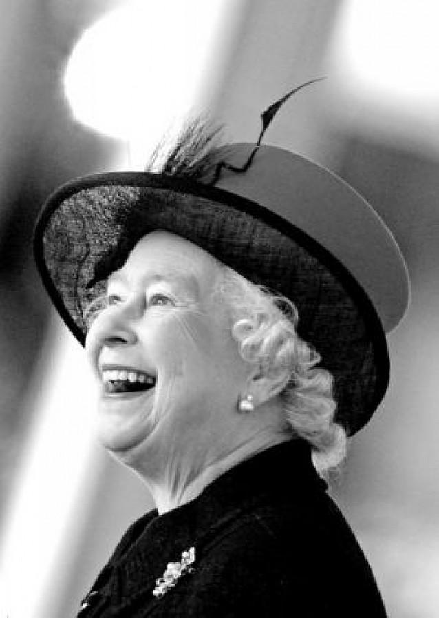 La Reina de Inglaterra inauguró una nueva terminal del aeropuerto de Heathrow