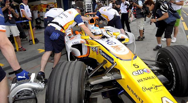 """""""Pole"""" para Hamilton y Alonso saldrá del puesto 11"""
