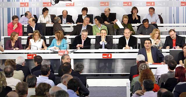 Zapatero dice que tiene mayoría sólida para gobernar tras las elecciones