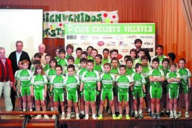 El Villavés sale con 39 ciclistas