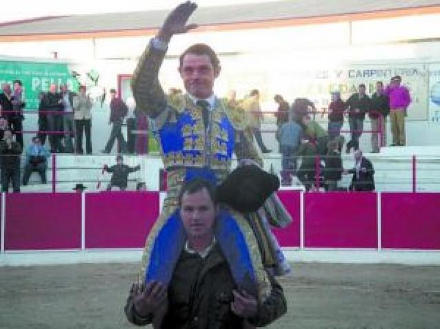 Sánchez Vara abre la temporada con dos orejas en Fitero