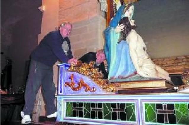 La procesión se ultima en el Santo Sepulcro