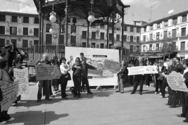 Más de 30 personas participan en la manifestación del Día de la Mujer Trabajadora