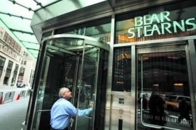 Los problemas de liquidez de Bear Stearns agravan la crisis en EE UU
