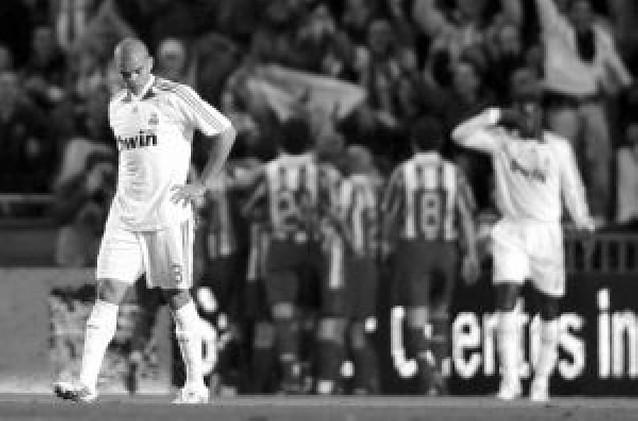 Un autogol de Pepe pone emoción a la Liga