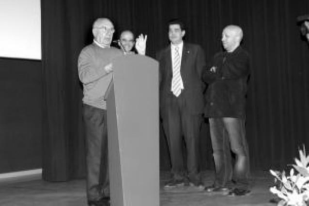 Tudela rinde homenaje a Alfredo Landa