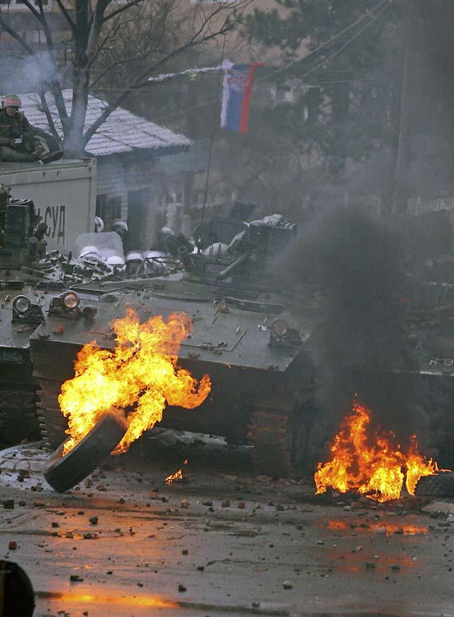 La ONU retira a su Policía de Mitrovica después de un ataque de cientos de serbios