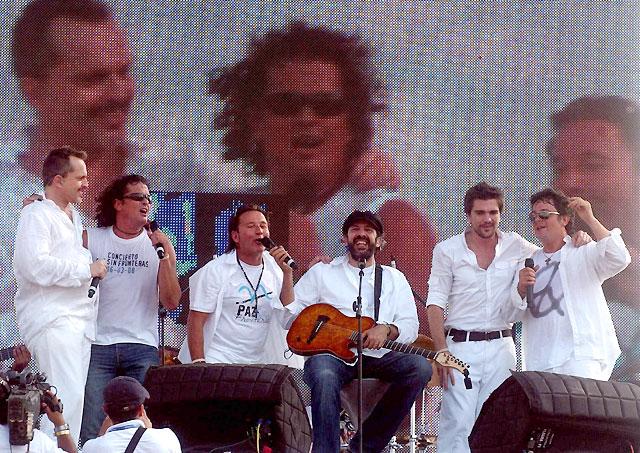 Más de 200.000 personas asisten al concierto pacifista 'Paz sin Fronteras' en la frontera de Colombia y Venezuela