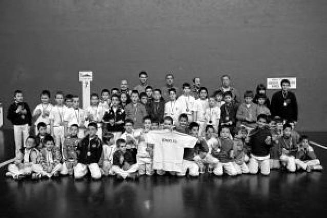 Encuentro en Estella de 65 futuros pelotaris